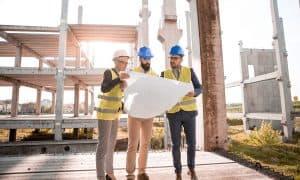 קבלני שיפוצים מחזיקים תוכניות בניה